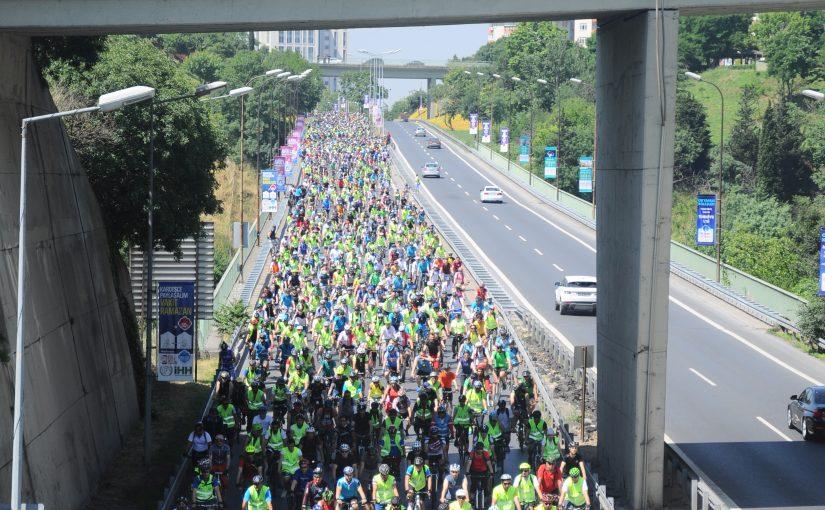 10.000 Kişi ile Kıtalar arası Bisiklet turu yapıldı